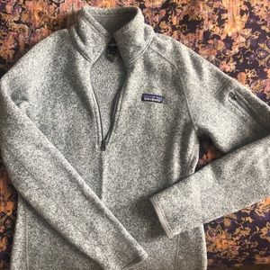 Women's gray size small Patagonia half-zip
